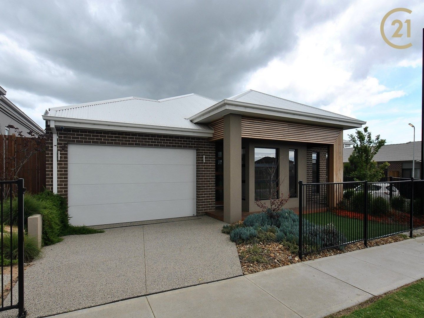 18 Callow Avenue, Clyde North VIC 3978, Image 0