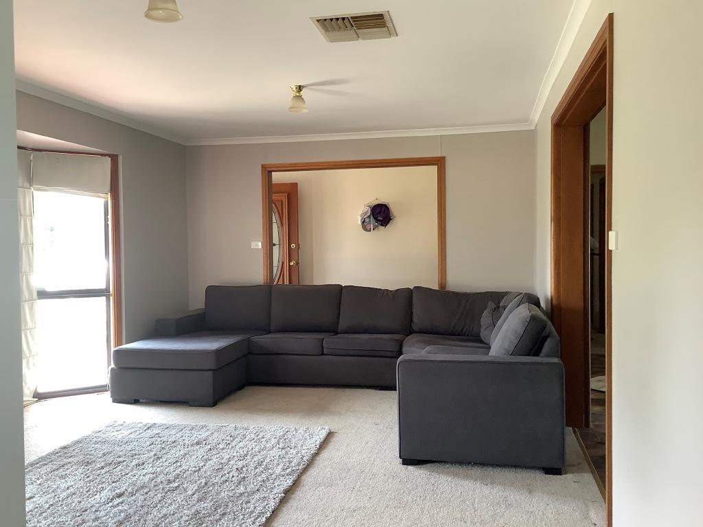 4 Kathryn Road, Leeton NSW 2705, Image 2