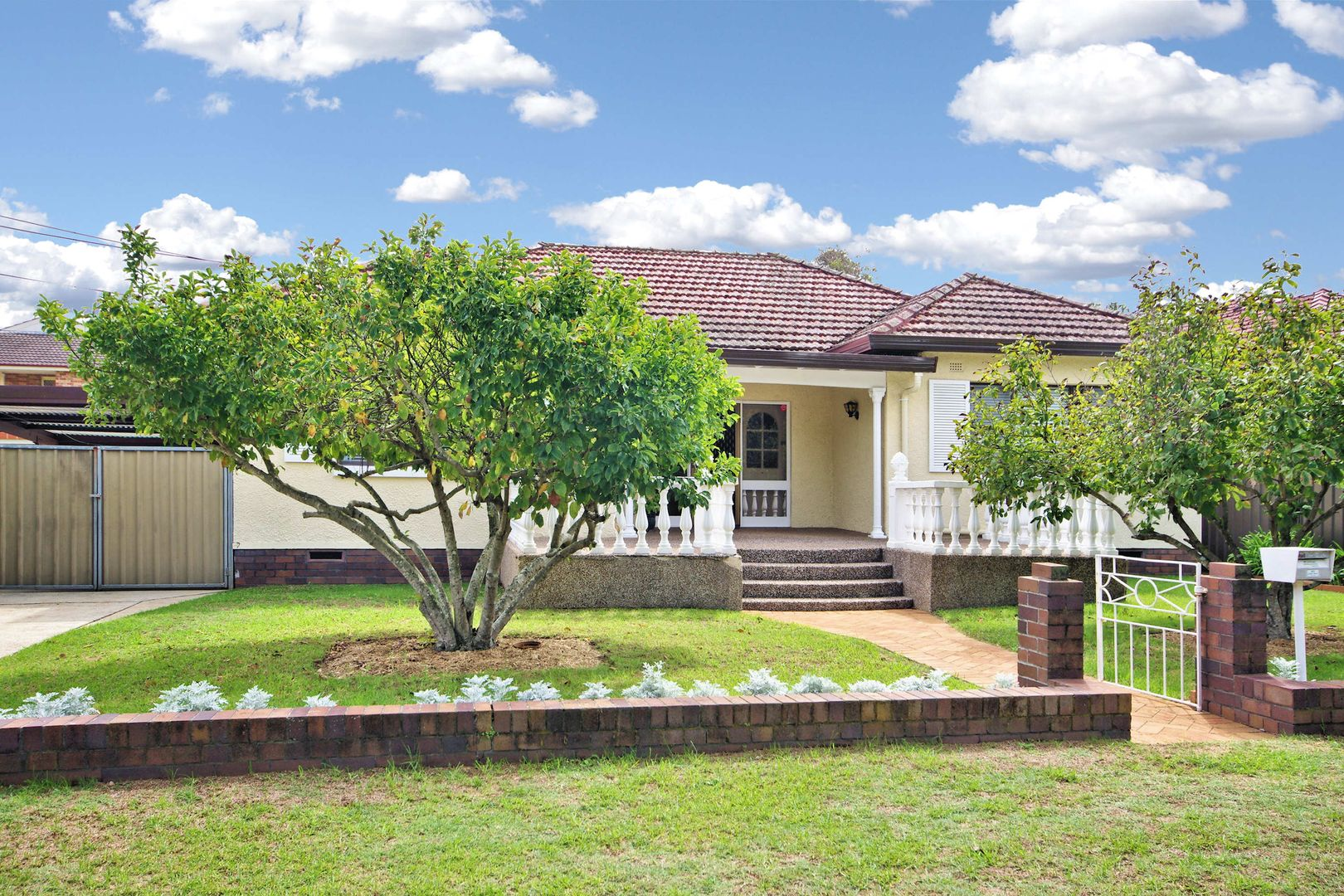 10 Rabaul Rd, Georges Hall NSW 2198, Image 0