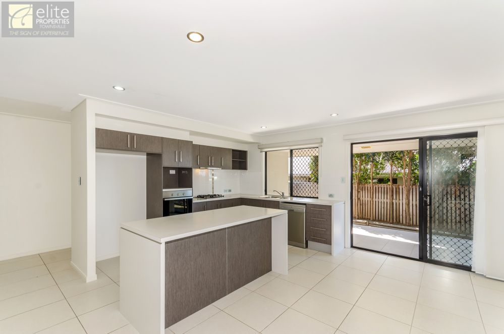 65 Hillock Crescent, Bushland Beach QLD 4818, Image 1