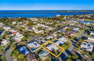 5 Moorshead Avenue, Golden Beach QLD 4551