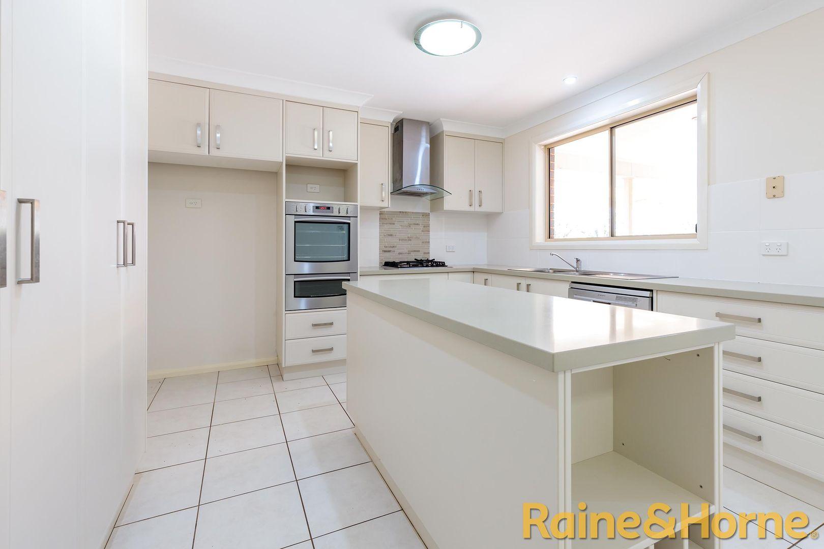16 Peel Place, Dubbo NSW 2830, Image 1