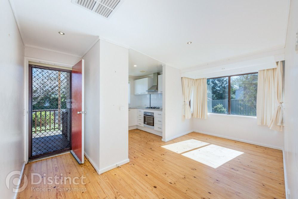 9 Sadleir Place, Charnwood ACT 2615, Image 2