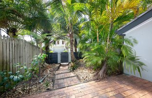 Picture of 2/2 Dolphin Crescent, Noosaville QLD 4566