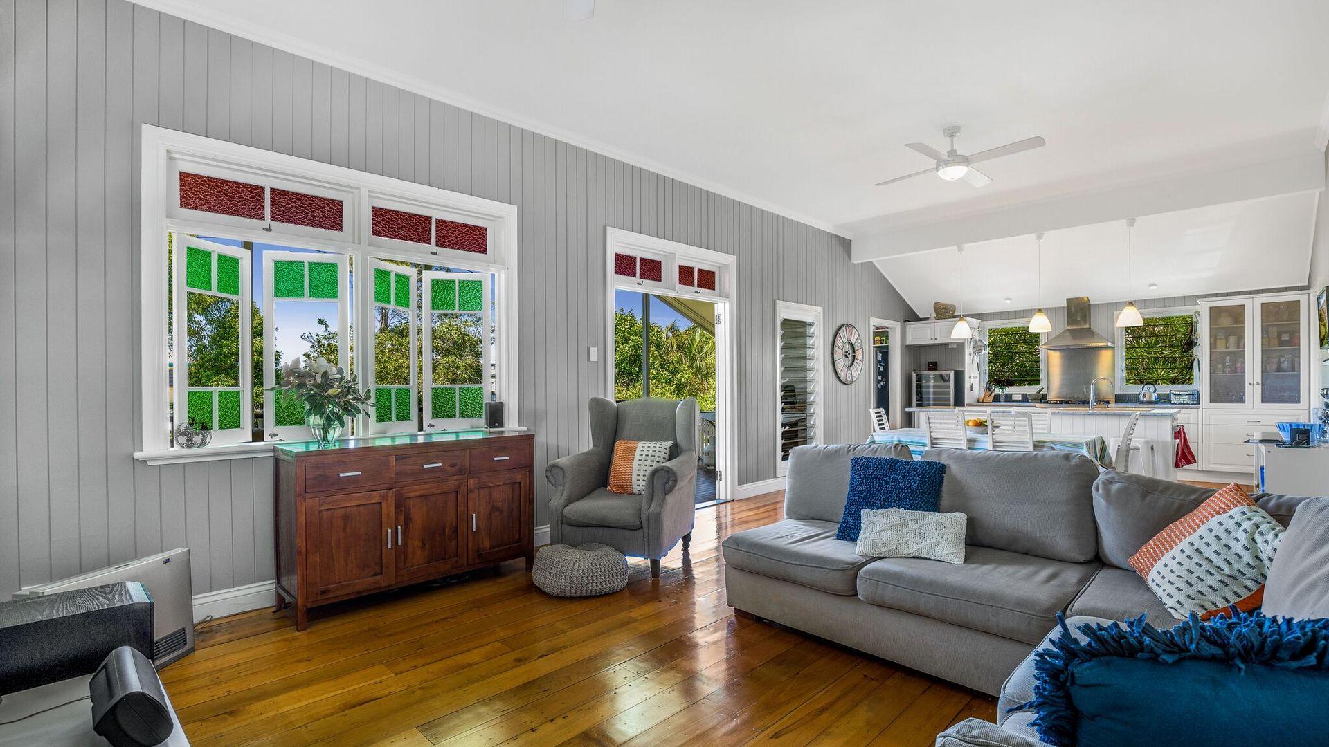 12 Carlton  Terrace, Wynnum QLD 4178, Image 2