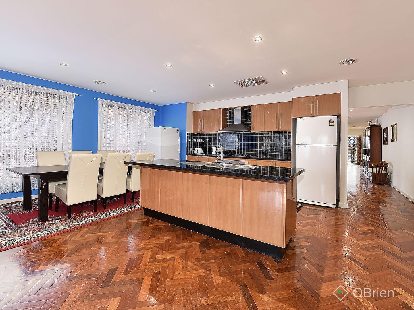 34 Villawood Avenue, Roxburgh Park VIC 3064, Image 2