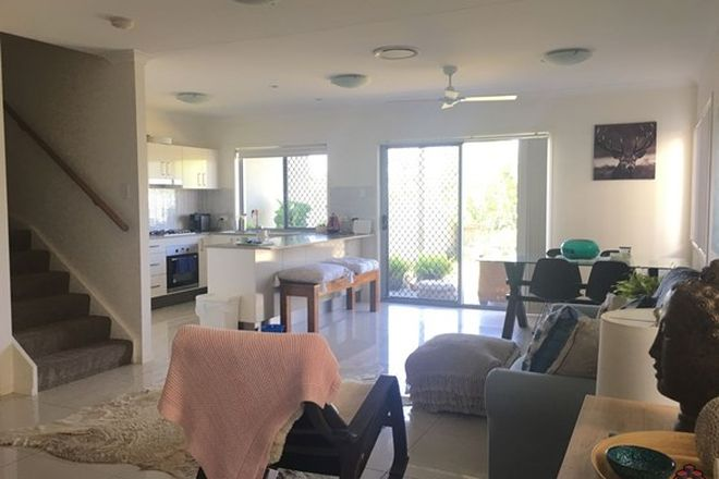 Picture of ID:3910042/2 Photinia Crescent, MOUNTAIN CREEK QLD 4557