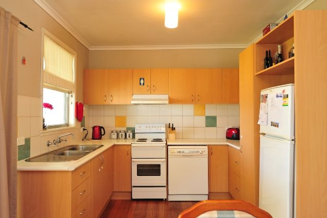 42 Hereford Street, Wodonga VIC 3690, Image 2