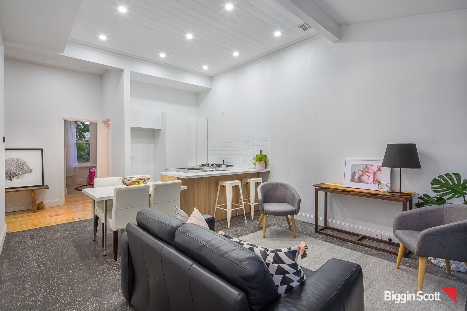 526 Armstrong Street North, Soldiers Hill VIC 3350, Image 2