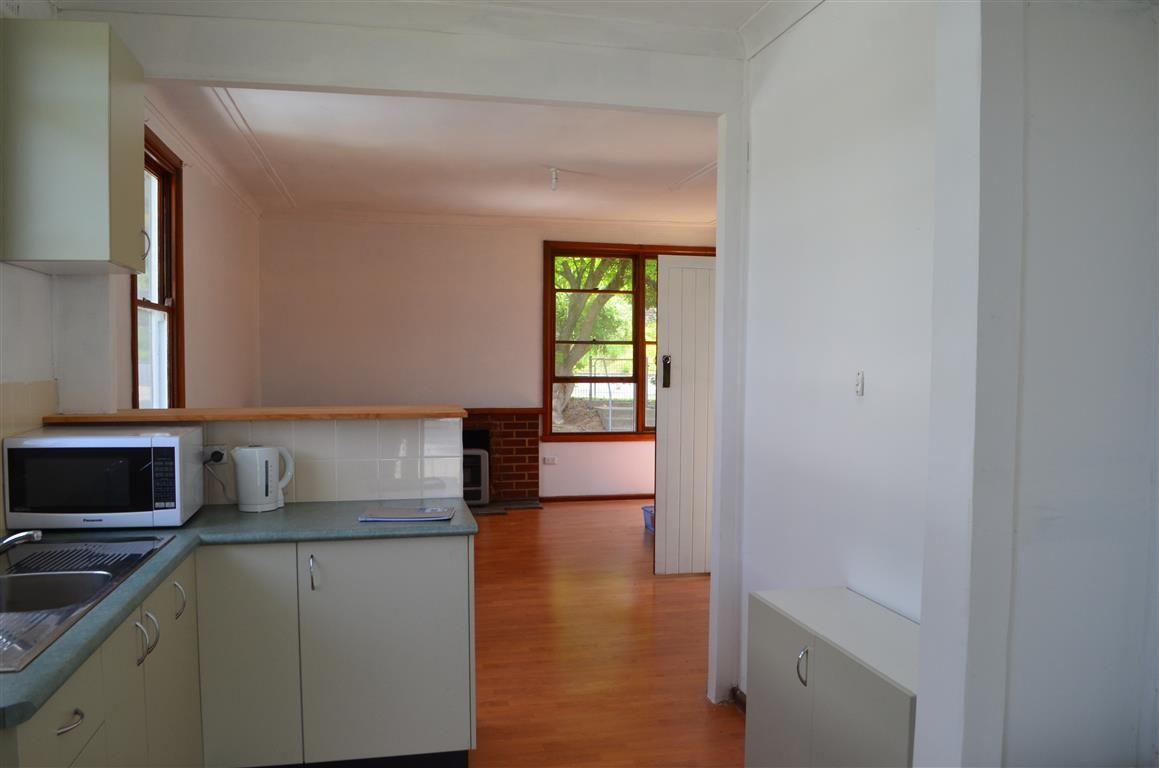 49 Bartlett Street, Batlow NSW 2730, Image 2