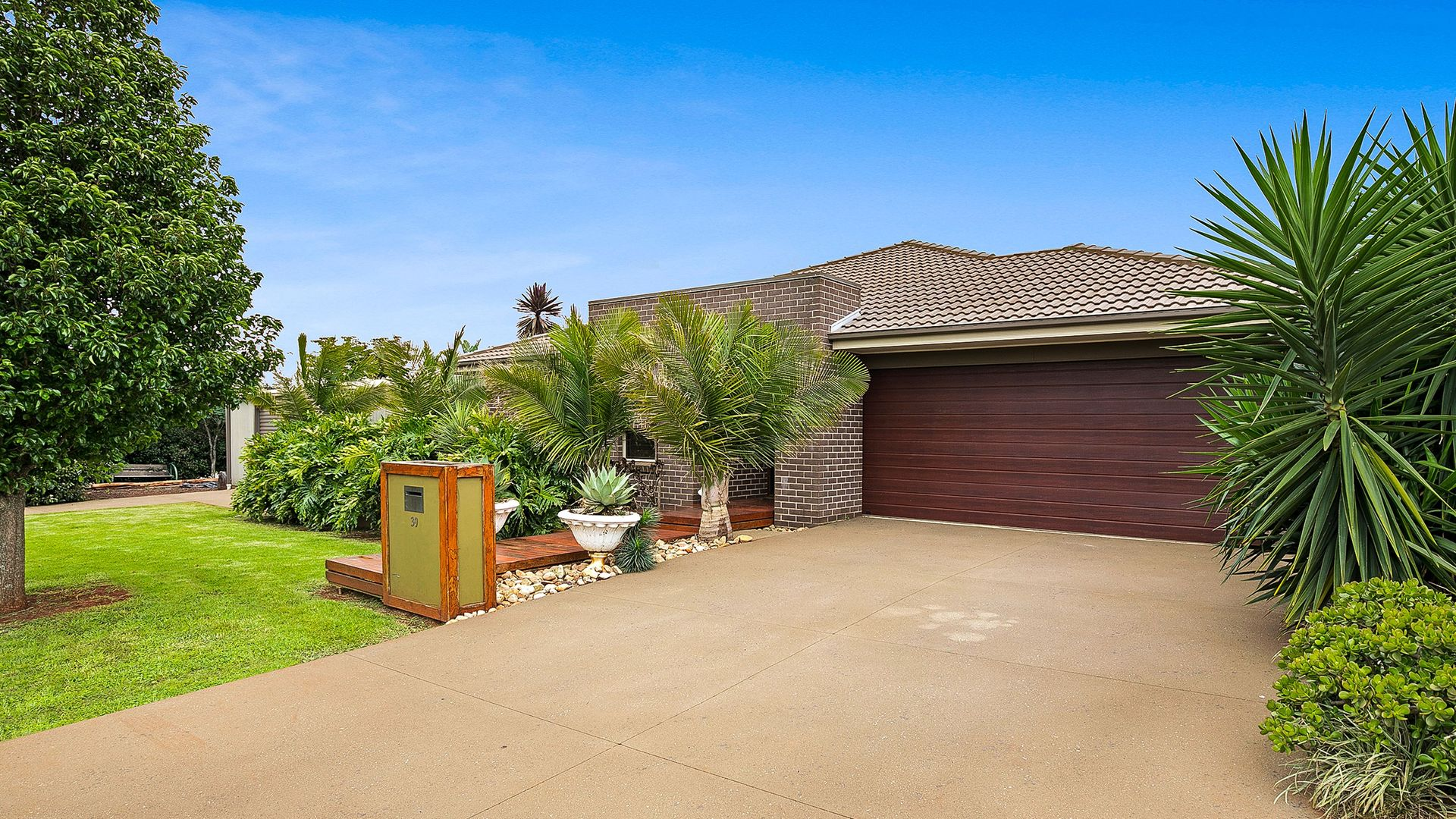 39 Highgrove Drive, Highfields QLD 4352, Image 2