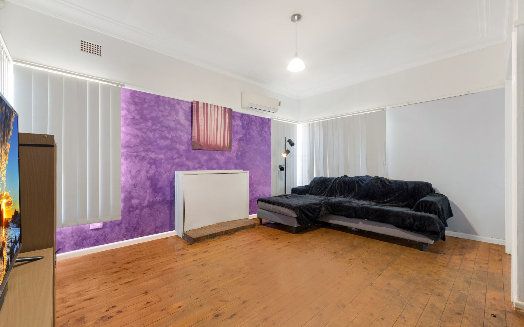 4 Lachlan Place, Campbelltown NSW 2560, Image 2