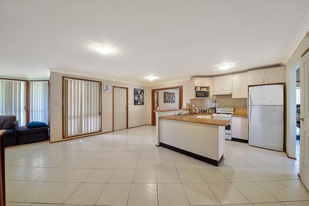 32 Pyramus Circuit, Rosemeadow NSW 2560, Image 2