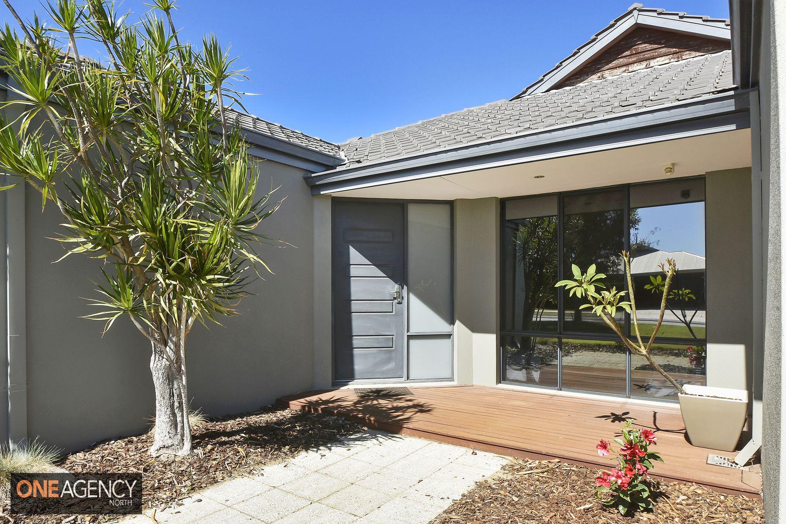 14 Lakewood Terrace, Clarkson WA 6030, Image 2