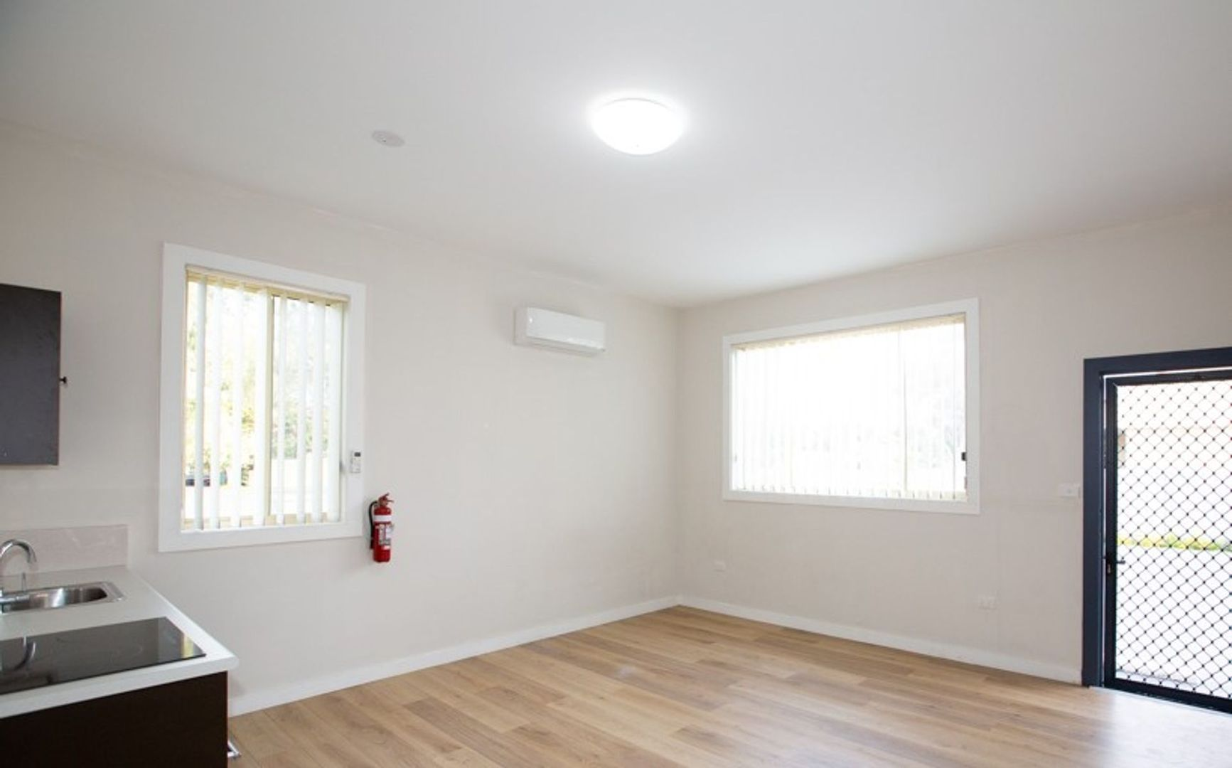 3/1A Emily Street, Marks Point NSW 2280, Image 0