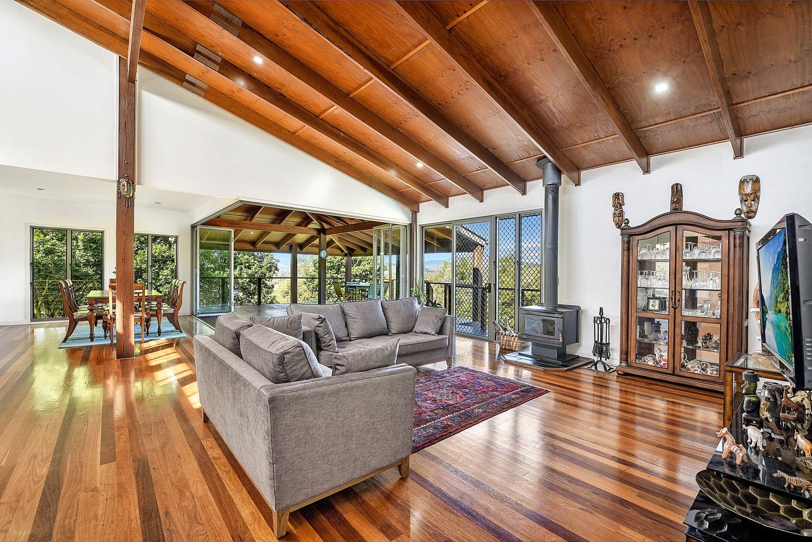 18 Abbott Court, Guanaba QLD 4210, Image 2