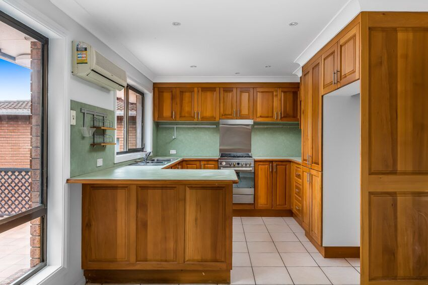 76 Hassan  Street, Lake Heights NSW 2502, Image 2