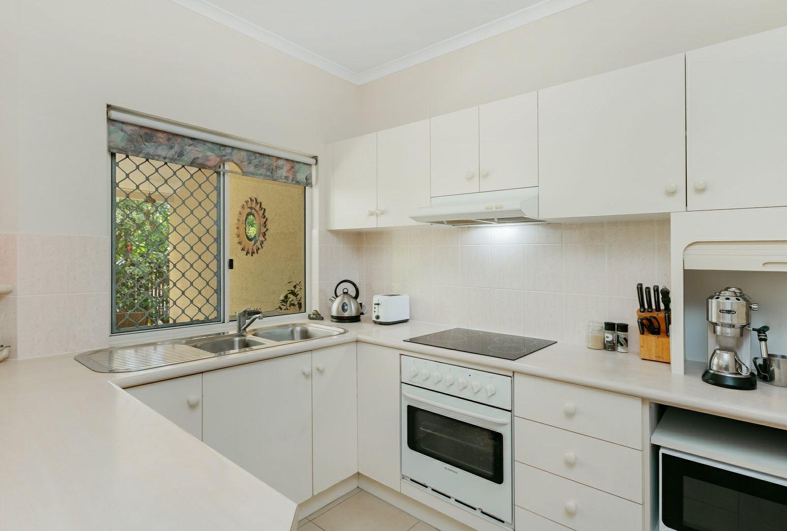 55/5-15 McGregor Street, Mooroobool QLD 4870, Image 2