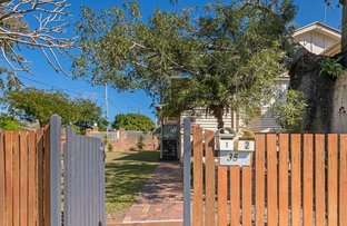 Picture of 1-2/35 Iris Street, Holland Park West QLD 4121