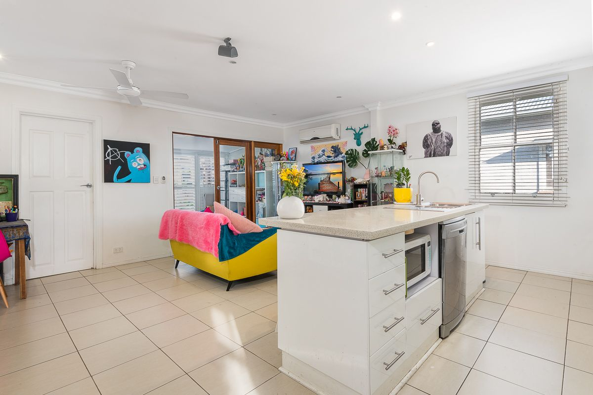 14 Frederick Street, Annerley QLD 4103, Image 2