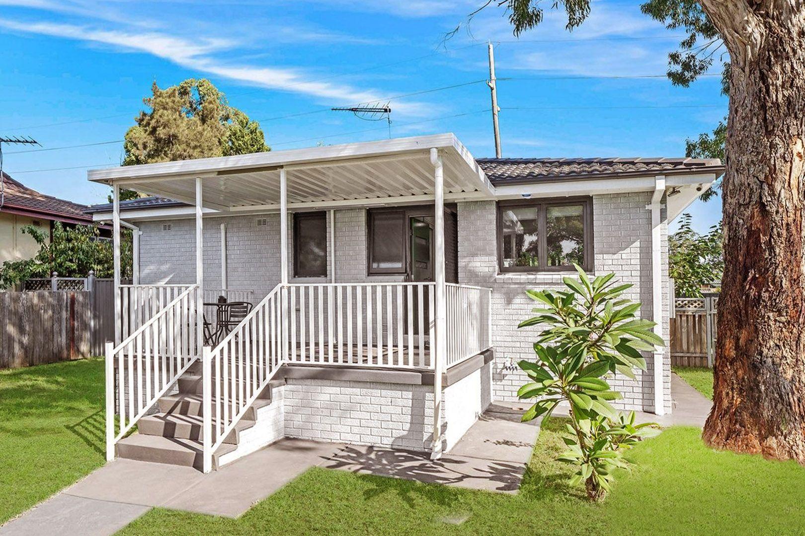 13 Marlock Place, Macquarie Fields NSW 2564, Image 0