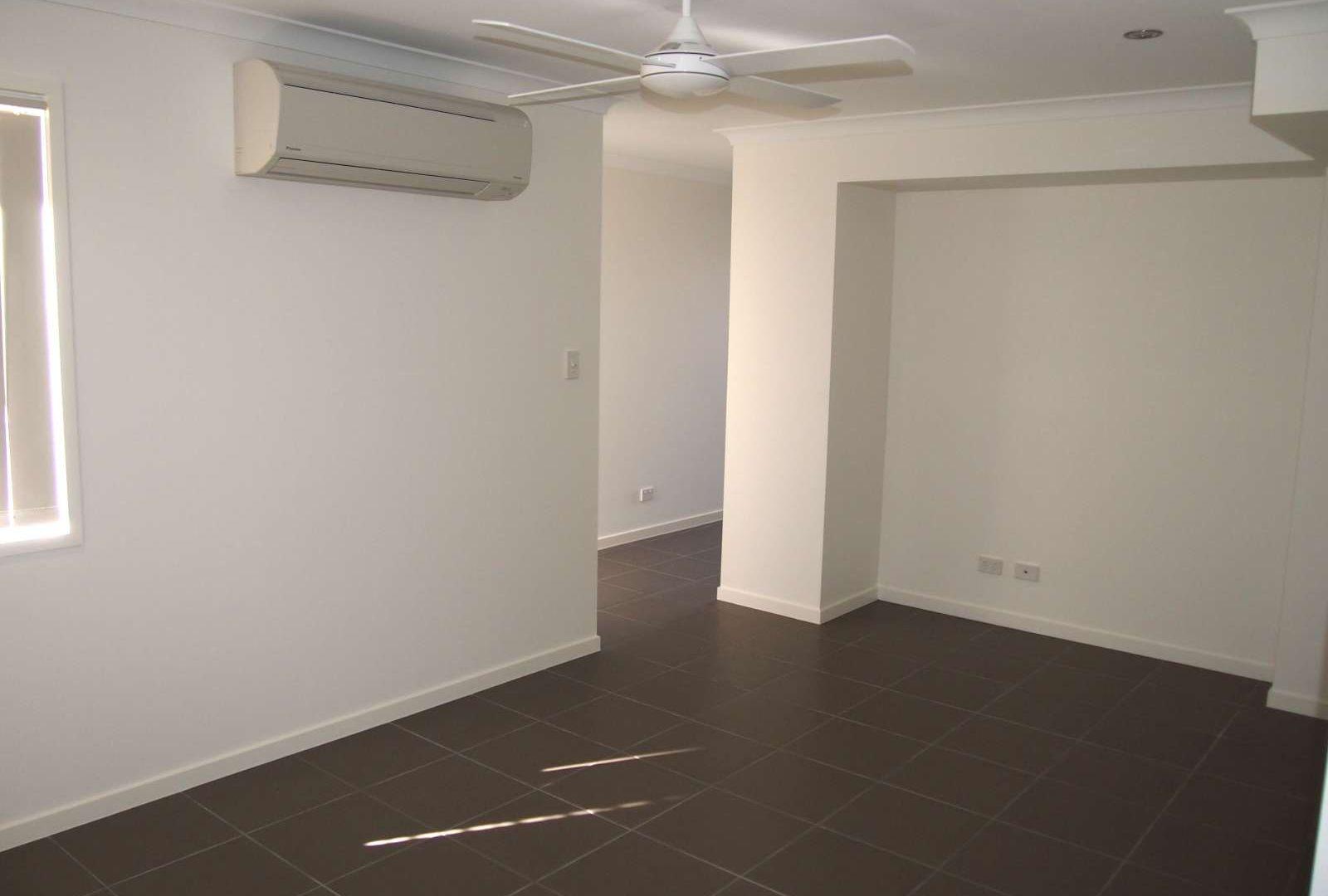 1/65 Braxlaw Crescent, Dakabin QLD 4503, Image 2