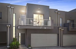 Picture of 2/30 Cranwell Sq, Caroline Springs VIC 3023
