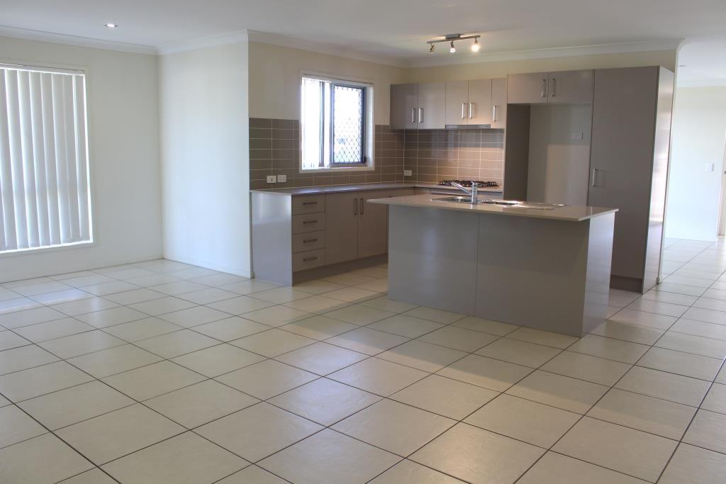 36 Parkside Drive, Kingaroy QLD 4610, Image 2