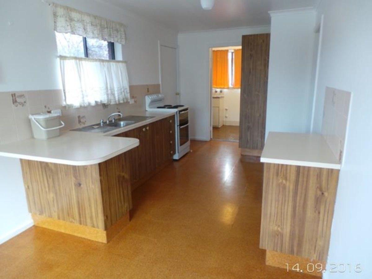 210 Suttor Street, Bathurst NSW 2795, Image 2