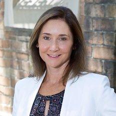 Danielle Dewhurst, Sales Agent