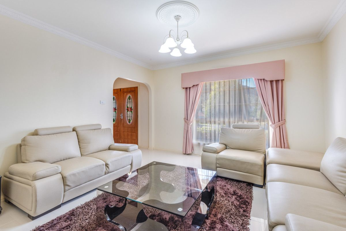 1 Oxley Place, Point Clare NSW 2250, Image 2
