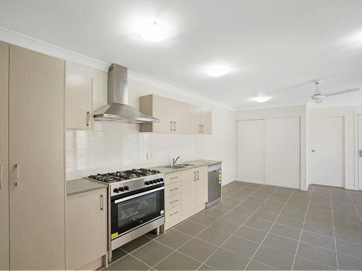 30 Cardamon Crescent, Glenvale QLD 4350, Image 2