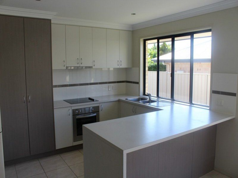 4 Mooney Crescent, Emerald QLD 4720, Image 2