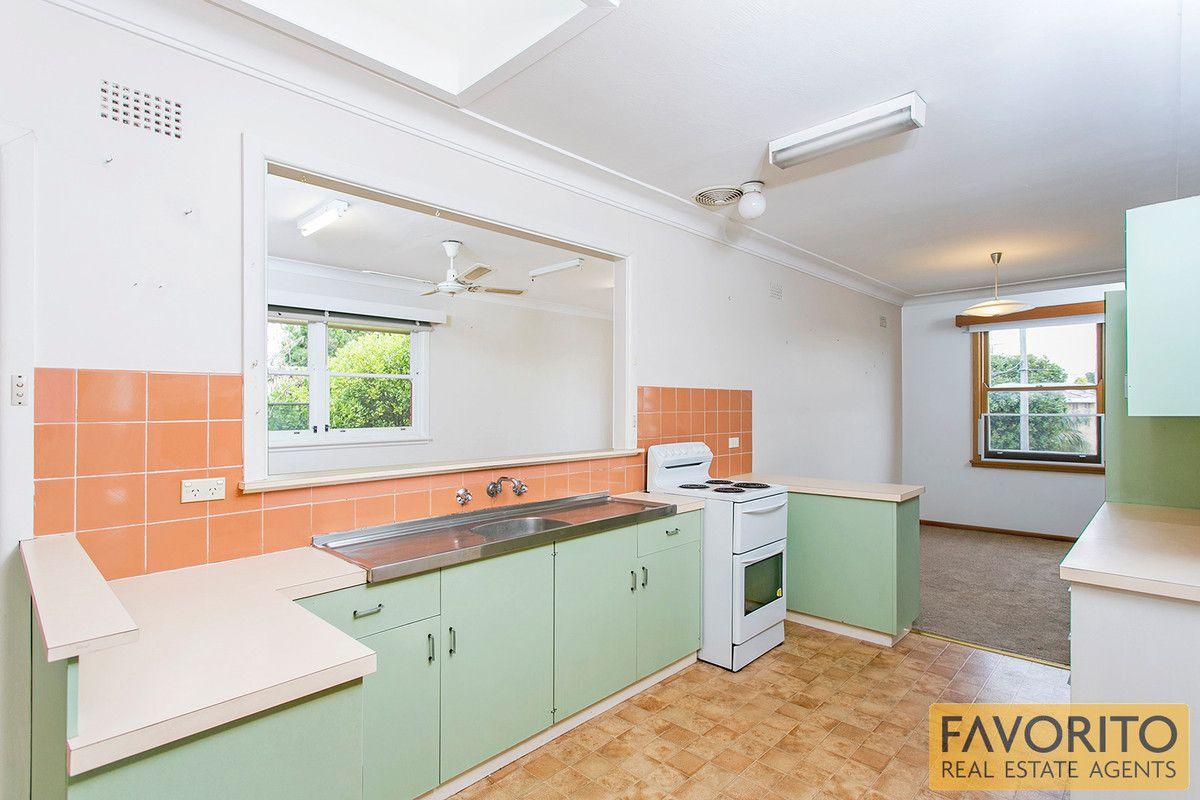 16 Waygrove Avenue, Earlwood NSW 2206, Image 2