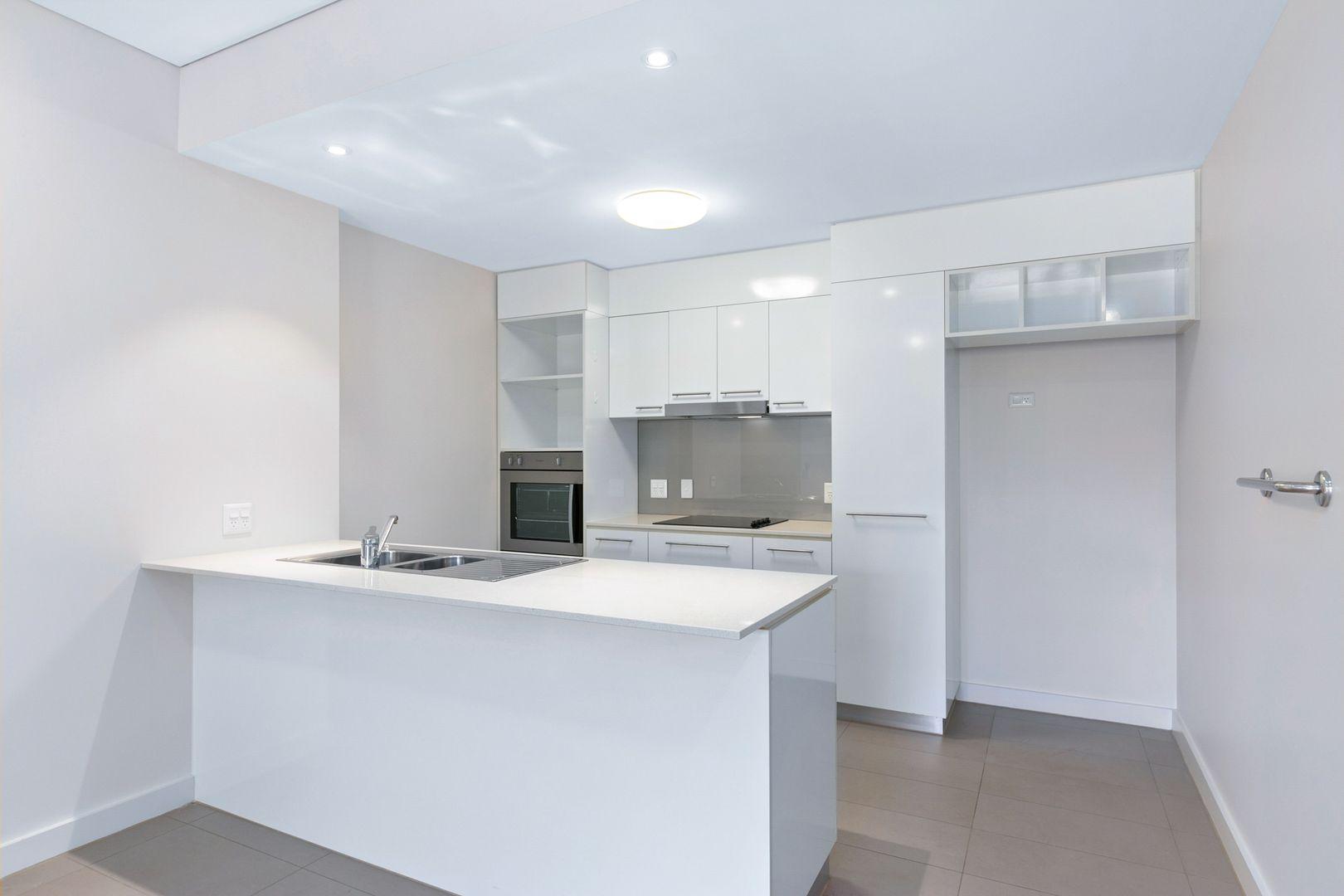 107/258-282 Lyons Street, Westcourt QLD 4870, Image 2