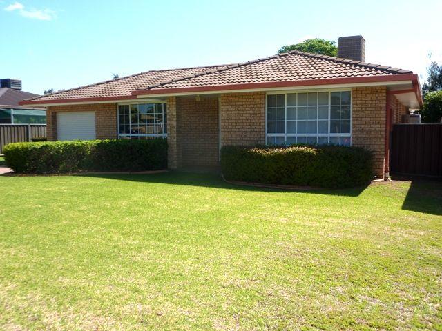 18 Robinson Avenue, Dubbo NSW 2830, Image 0