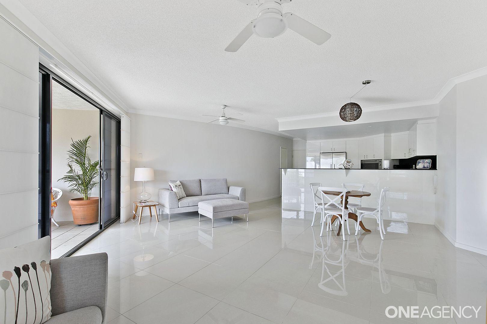 2/3 Rock Street, Scarborough QLD 4020, Image 1