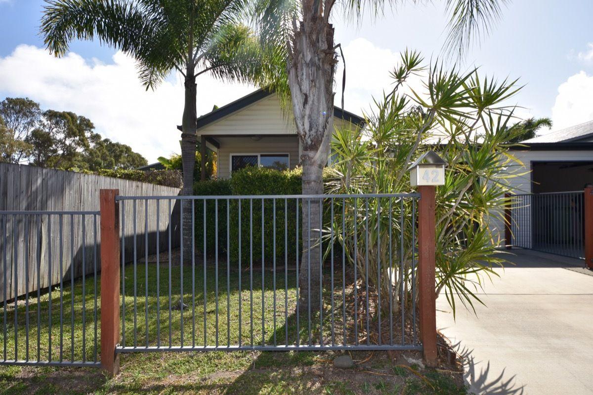 42 Vincent St, South Mackay QLD 4740, Image 2