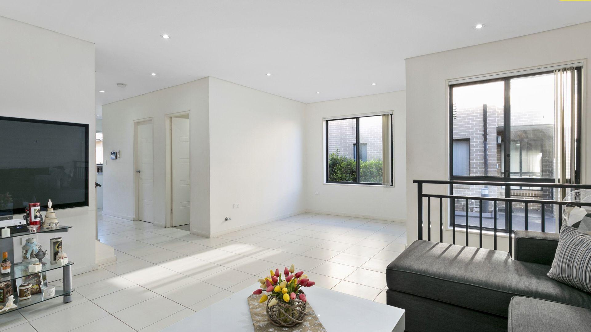 2/49 Old Kent Road, Greenacre NSW 2190, Image 2