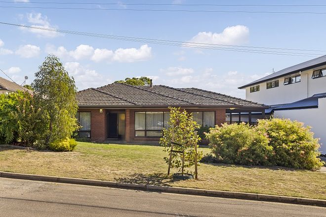 Picture of 2 Swan Avenue, ROSTREVOR SA 5073
