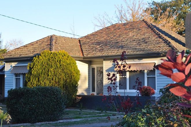 Picture of 32 Hunter Street, MANSFIELD VIC 3722