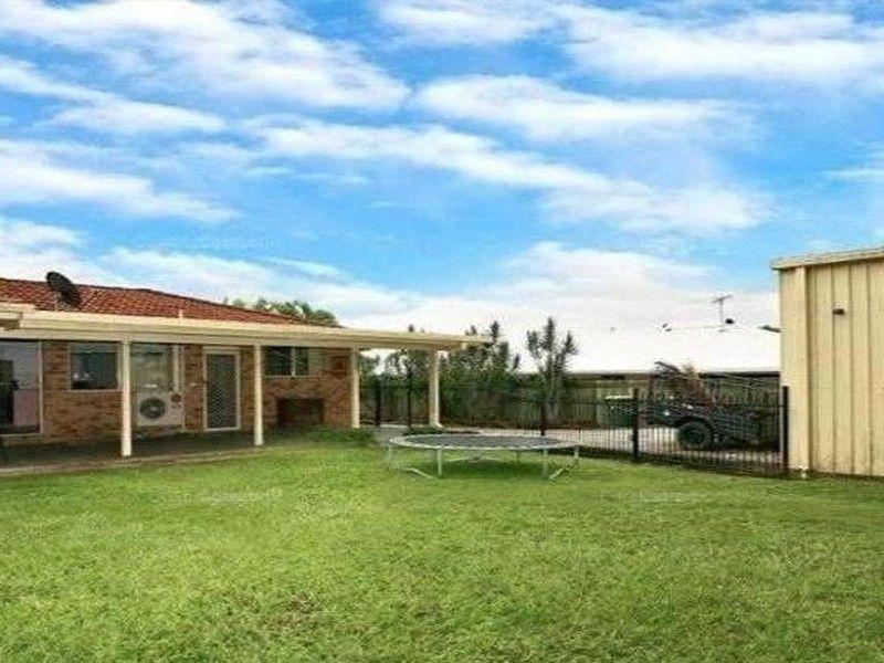 24 Crestleigh Court, Morayfield QLD 4506, Image 2