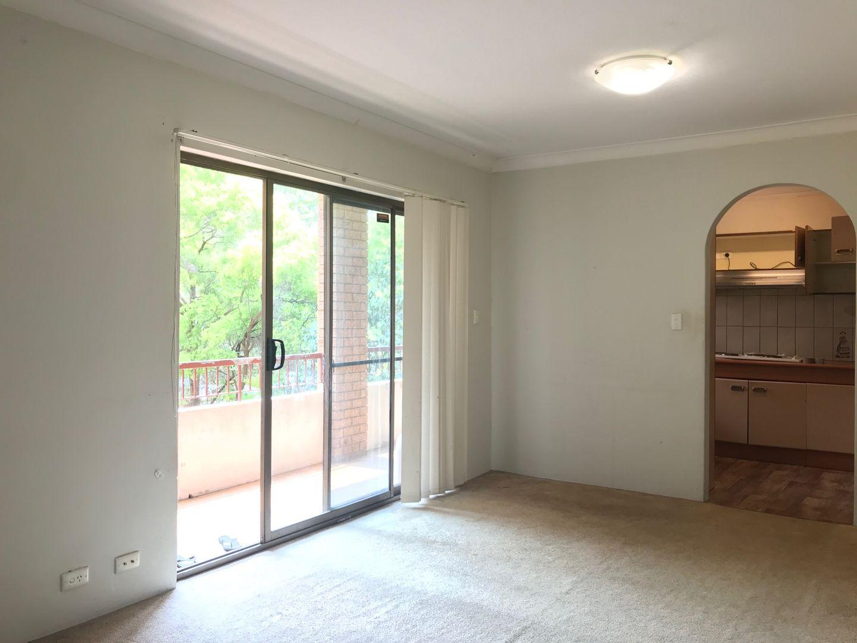 2/39 Carrington Avenue, Hurstville NSW 2220, Image 2