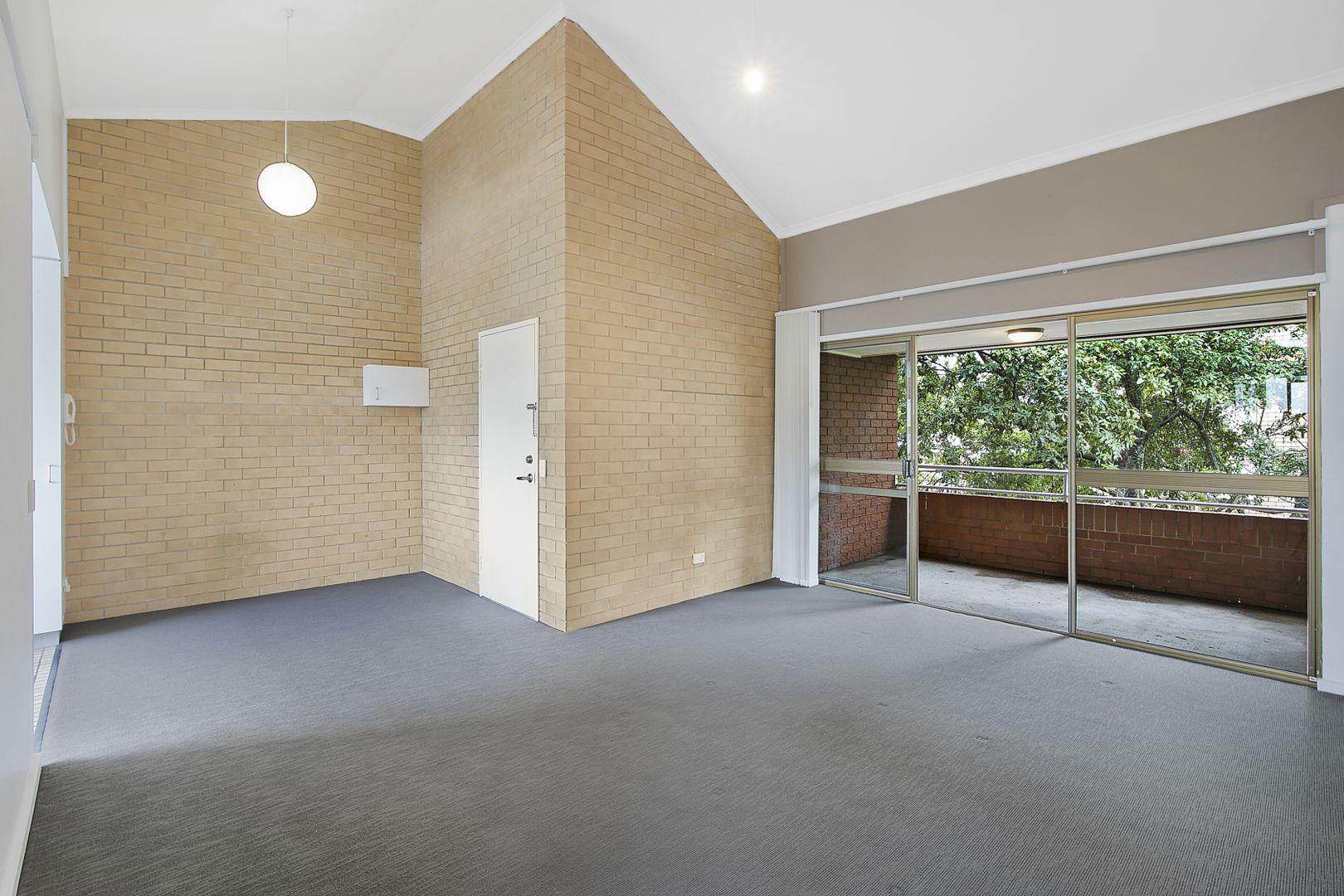2 Sheehan Street, Milton QLD 4064, Image 0
