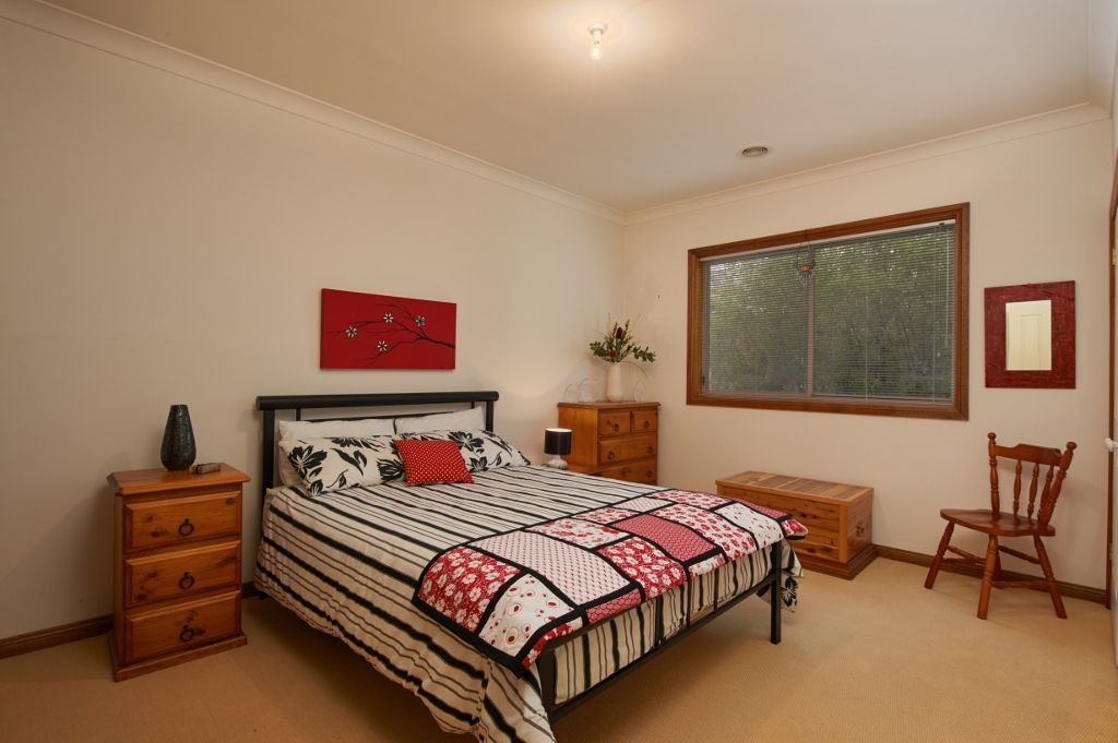19 Atherton Crescent, Tatton NSW 2650, Image 2