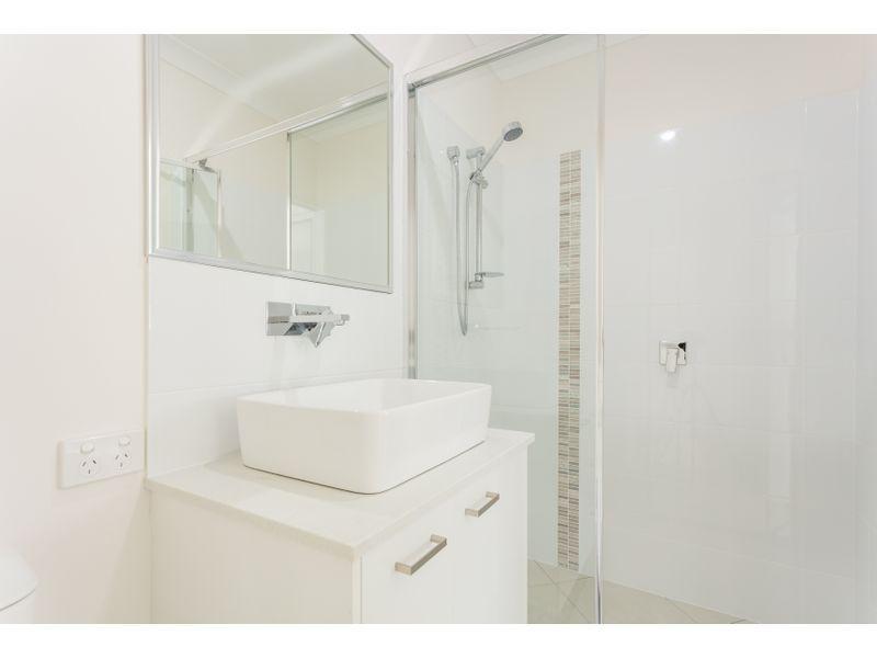 9 Oakwood Street, Pimpama QLD 4209, Image 2