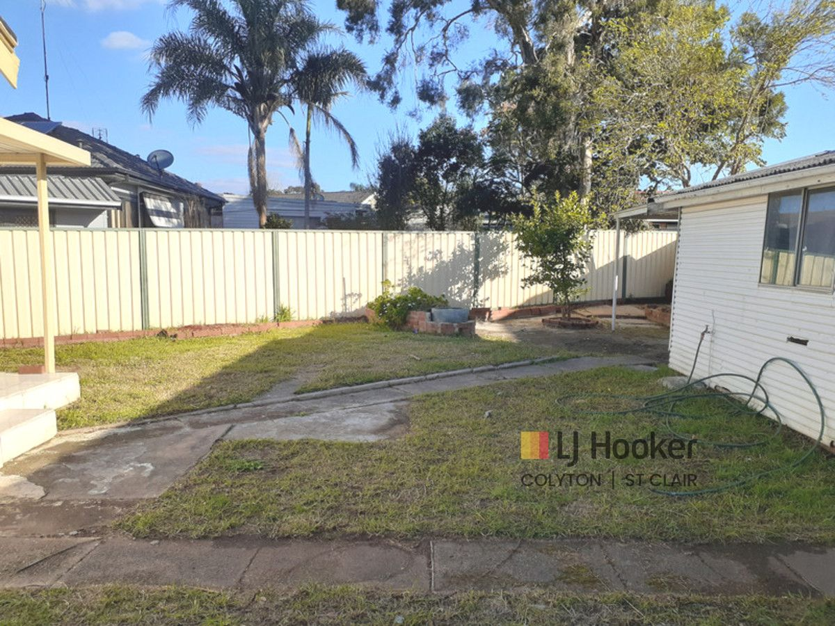 2 Woodview Road, Oxley Park NSW 2760, Image 2