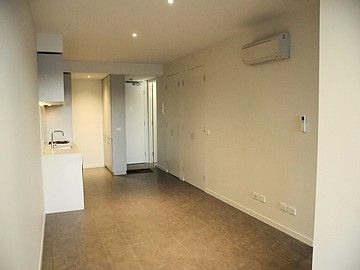 206/660 Blackburn Road, Notting Hill VIC 3168, Image 2