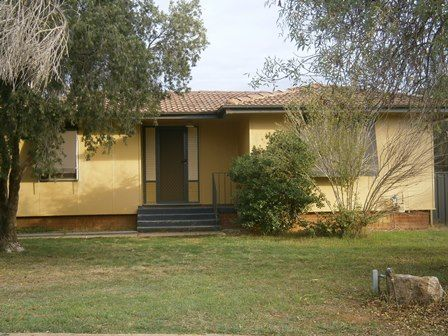 33 Callaghan, Ashmont NSW 2650, Image 0