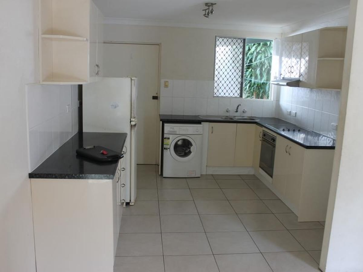 2/31 Kamerunga Road, Stratford QLD 4870, Image 1